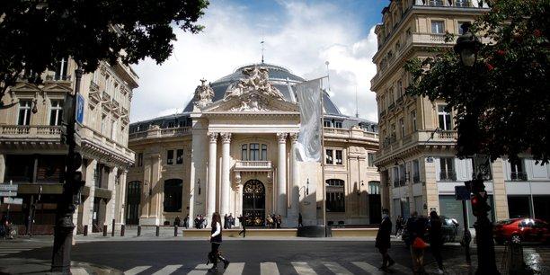 A la bourse du commerce, francois pinault imprime sa marque sur l'art parisien[reuters.com]
