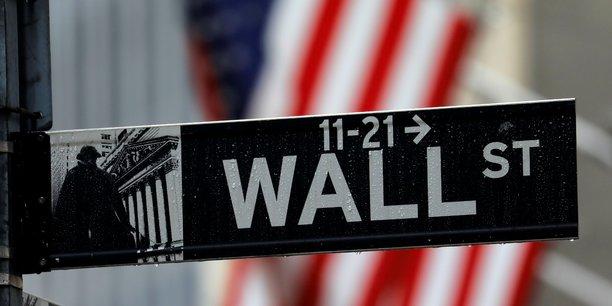 Wall street commence la semaine dans le rouge malgre les m&a[reuters.com]