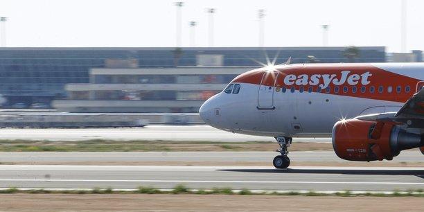 La perte d'Easyjet avant impôts pour le trimestre a diminué de 8% sur un an à 318,3 millions de livres. La compagnie espère vite retrouver une capacité de transport proche du niveau d'avant-crise.