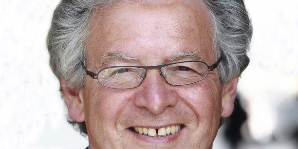 René-Marc Chikli est président du SETO, le Syndicat des entreprises de Tour Operating (initialement CETO), depuis 1996.
