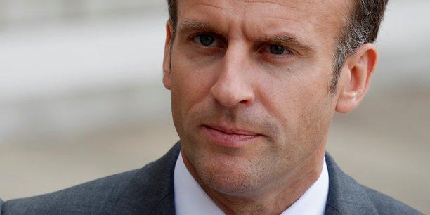Emmanuel Macron  a prévenu jeudi qu'il allait devoir prendre des « décisions difficiles » pour la sortie de la crise.