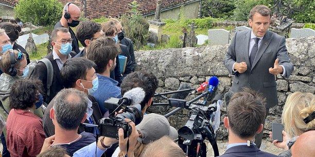Emmanuel Macron à Saint-Cirq-Lapopie.