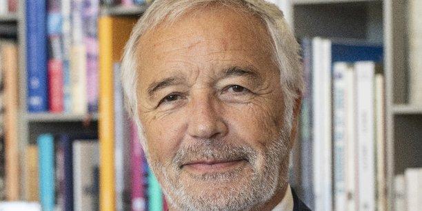En juin dernier, le maire (PS) de Dijon et président de Dijon Métropole, François Rebsamen, avait été nommé, par le gouvernement, président de la Commission nationale de relance de la construction.