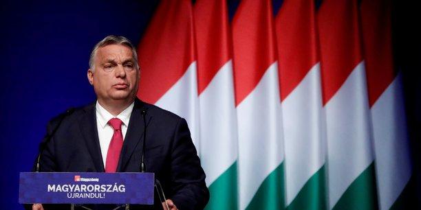 Hongrie: orban promet hausse des salaires et aide fiscale aux familles[reuters.com]