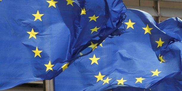 Les vingt-sept approuvent l'allegement des restrictions sur les voyages[reuters.com]