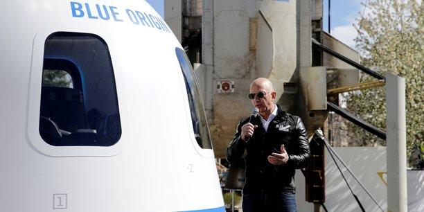Une place a 28 millions de dollars pour accompagner jeff bezos dans l'espace[reuters.com]