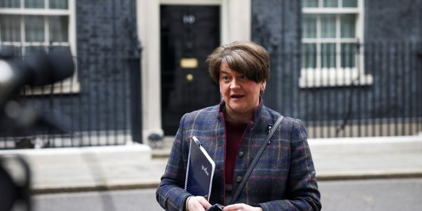 Irlande du nord: demission officielle de la premiere ministre foster[reuters.com]