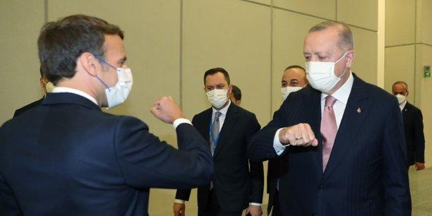 Macron dit avoir eu un entretien apaise avec erdogan[reuters.com]