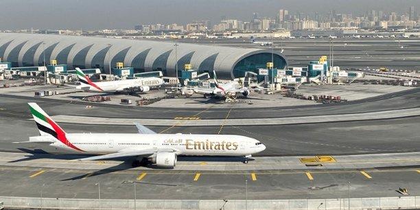 La compagnie emirates soutenue par dubai apres sa premiere perte en 33 ans[reuters.com]