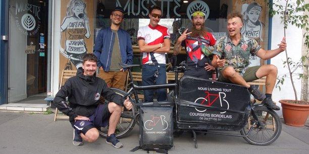 Les Coursiers Bordelais, contre l'ubérisation, est une entreprise coopérative qui compte 7 salariés et livre les particuliers comme les professionnels sur Bordeaux.