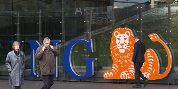 Le groupe bancaire néerlandais lance une réflexion sur l'avenir de sa banque de détail en France.
