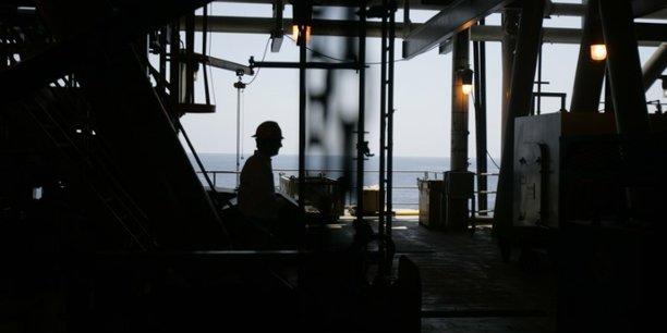 Tempete: les compagnies petrolieres evacuent leurs plateformes dans le golfe du mexique[reuters.com]