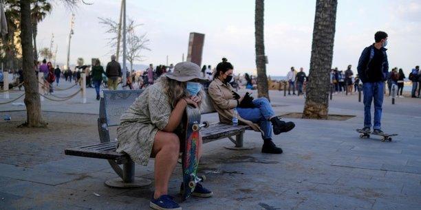 Espagne: fin du port du masque en exterieur a partir du 26 juin[reuters.com]