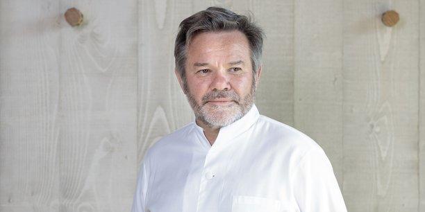 Michel Troisgros est à la tête depuis 1996 de la maison triplement étoilée de Roanne. Il réclame désormais en justice 1,6 million d'euros pour éponger une partie des pertes d'exploitation liées au premier confinement.