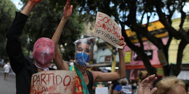 Manifestations au bresil contre la gestion du covid par bolsonaro[reuters.com]