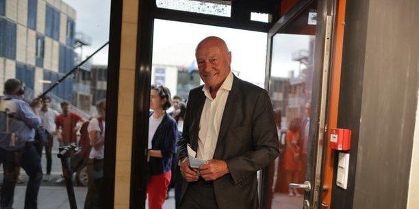 Le président socialiste sortant, Alain Rousset, est donné largement en tête au 1er tour de l'élection régionale en Nouvelle-Aquitaine.
