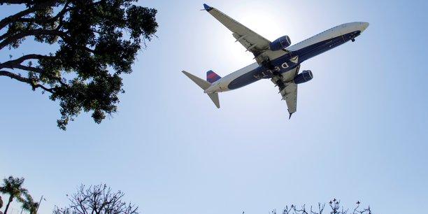 Delta va embaucher plus de 1.000 pilotes d'ici l'ete prochain[reuters.com]
