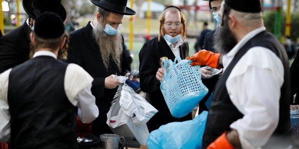 Coronavirus: israel exige a nouveau le port du masque a l'interieur[reuters.com]