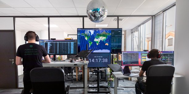 Loft Orbital a installé une salle de contrôle à Toulouse pour suivre ses premiers satellites en orbite.