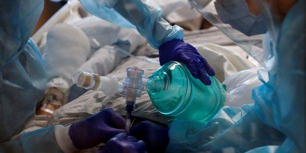 Partout sur la planète, les restrictions sanitaires se multiplient dans le but de limiter l'impact de la propagation vertigineuse du variant Delta du coronavirus sur les services hospitaliers