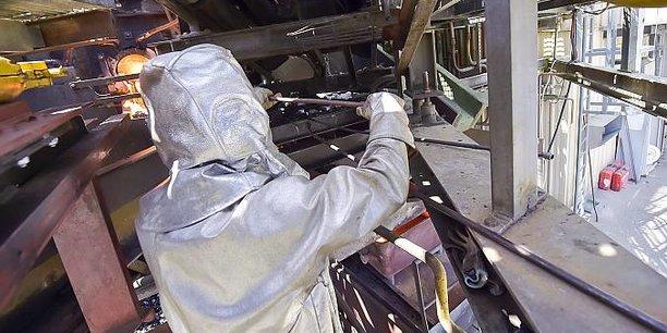 Coulée d'amiante vitrifiée dans l'ancienne usine d'Inertam.