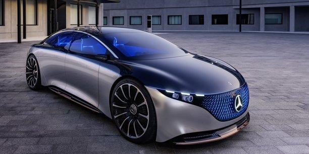 Le modèle électrique EQS, de la gamme Classe S de Mercedes, pourrait donner un retour d'expérience intéressant au groupe Daimler, qui se dit pouvoir être prêt au 100% électrique d'ici 2030.