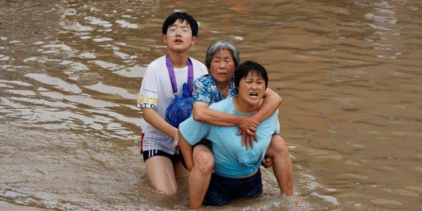 Chine: les secours a l'oeuvre a zhengzhou apres des crues devastatrices[reuters.com]