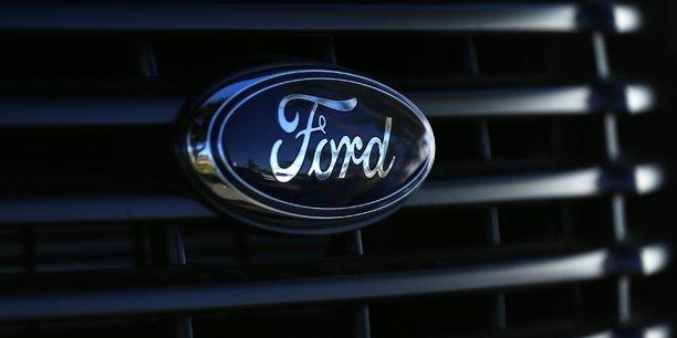 Bataille general motors-ford autour du nom d'un systeme de conduite mains libres[reuters.com]