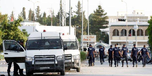 La france appelle au respect de l'etat de droit en tunisie[reuters.com]