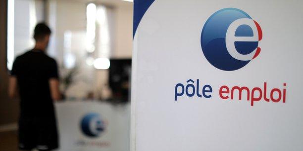 France: le nombre de demandeurs d'emploi baisse mais depasse toujours son niveau d'avant-crise[reuters.com]