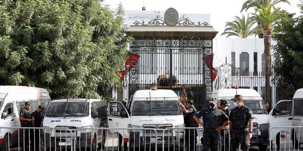 Tunisie: ennahda joue l'apaisement, l'ue appelle a la sortie de crise[reuters.com]