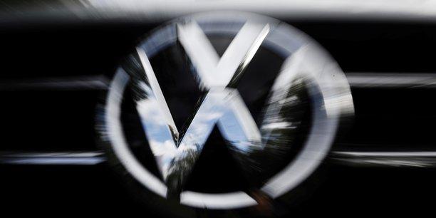 Les proprietaires d'europcar en negociations avancees avec volkswagen[reuters.com]