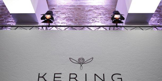Les ventes de kering ont presque double au deuxieme trimestre, portees par gucci[reuters.com]