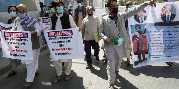Les etats-unis entament l'evacuation d'anciens auxiliaires afghans[reuters.com]