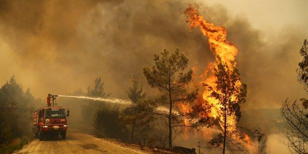 Les incendies se poursuivent en turquie, quatre morts[reuters.com]