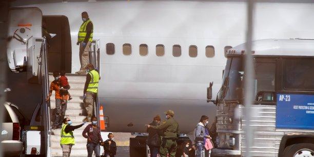 Etats-unis : les expulsions de migrants en provenance d'amerique centrale reprennent[reuters.com]