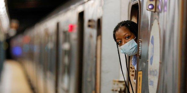 Vaccin ou test obligatoire pour les employes des transports new-yorkais[reuters.com]