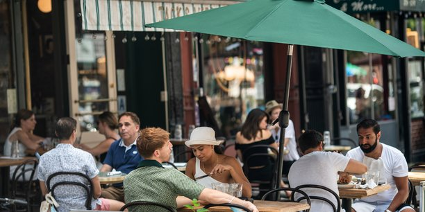 Pendant l'été, les cafés, restaurants, hôtels et discothèques sont restés loin de leur niveau d'avant-crise, avec une activité estivale en recul de 20% par rapport à l'été 2019, selon les organisation syndicales.