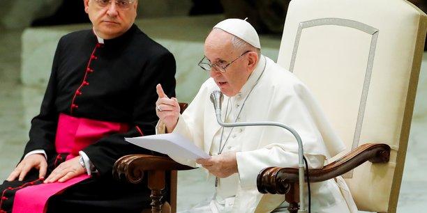 Le pape promet une visite au liban, un an apres l'explosion de beyrouth[reuters.com]