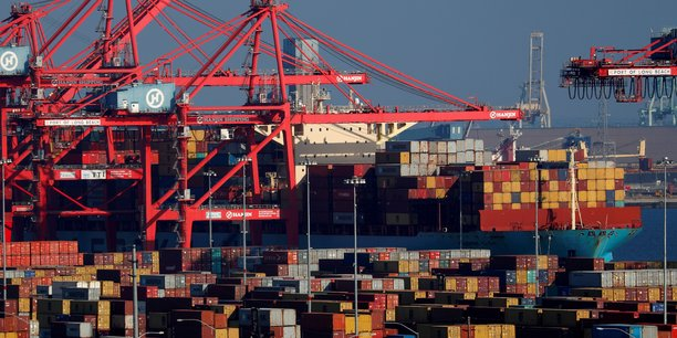Photo d'illustration: navire porte-conteneur en cours de chargement dans le port de Long Beach, en Californie, le 30 janvier 2019.