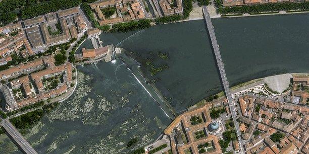 De premières images de la Ville de Toulouse capturées par Pléiades Neo avec une résolution de 30 centimètres ont été dévoilées début août par Airbus.