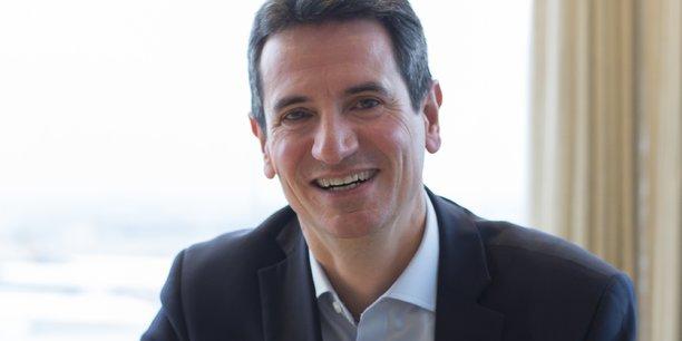 Ancien conseiller technique au cabinet d'Alain Madelin, puis dans celui de Jean Arthuis au ministère de l'économie et des finances, le nouveau président pour l'Ecole des Mines de Saint-Etienne a également dirigé le cabinet de François Aubert (secrétaire d'Etat à la recherche) ainsi que la direction adjointe de celui de François Bayrou, au ministère de l'éducation.