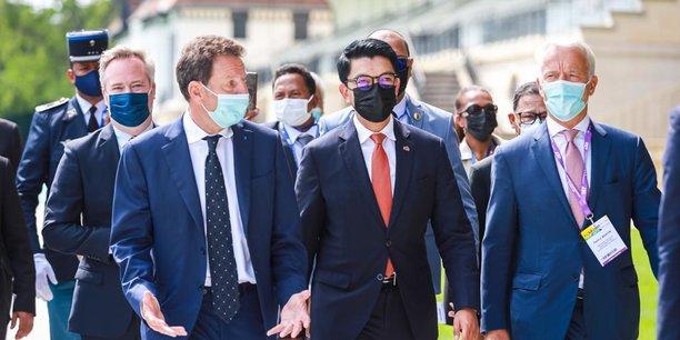 Geoffroy Roux de Bézieux, président du Medef, et Andry Rajoelina (c), président de la République de Madagascar et invité d'honneur  des «Rencontre des entrepreneurs francophones».