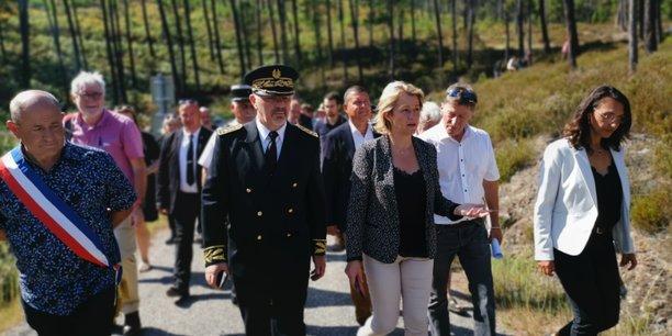 À l'occasion d'un déplacement en Ardèche, le jeudi 26 août, la ministre de la Transition écologique, Barbara Pompili, est venue réaffirmer le rôle du label bas-carbone pour soutenir la restauration des forêts incendiées et annoncer le lancement d'un plan d'action pour dynamiser le développement de ce label dans les 6 prochains mois.