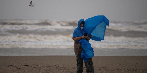 L'ouragan nicholas atteint la cote du texas et de la louisiane[reuters.com]