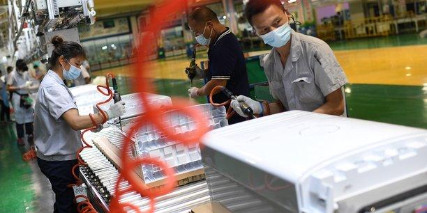 Chine: la croissance de la production industrielle et des ventes au detail ralentit en aout[reuters.com]