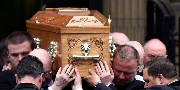 Irlande du nord: la police arrete quatre hommes en lien avec le meurtre de lyra mckee[reuters.com]