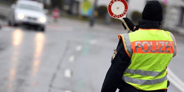 Quatre arrestations en allemagne apres une menace d'attaque contre une synagogue[reuters.com]