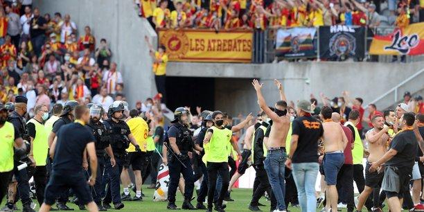 La lfp se reunit lundi apres les incidents lors du match lens-lille[reuters.com]