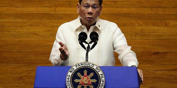 Philippines: toute personne ayant franchi les limites de la lutte anti-drogue rendra des comptes, dit duterte[reuters.com]